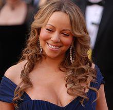 <b>Mariah Carey</b> et la shampouineuse - 220px-Mariah_Carey___2010_Academy_Awards
